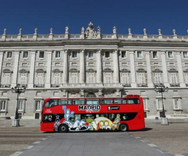 hop-off-bus-tour-madrid