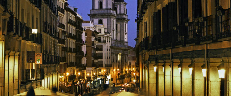 las_calles_mas_comerciales_madrid_antiguo_madrid_actual_459135876_1000x695